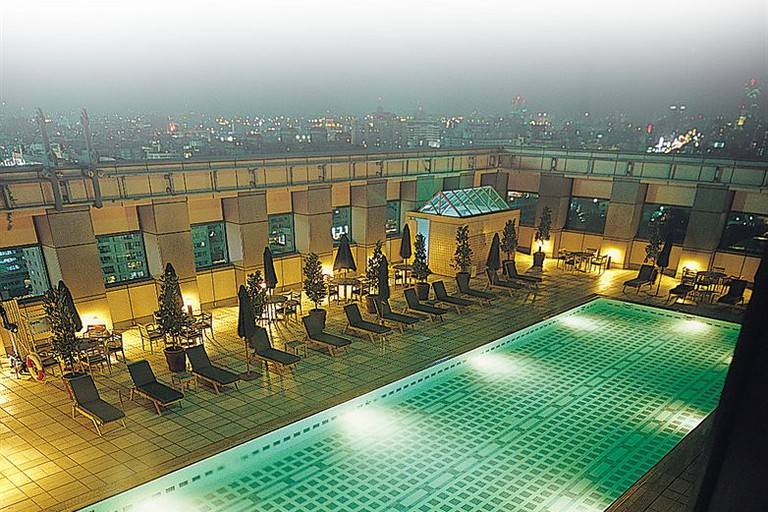 Rooftop pool at The Splendor