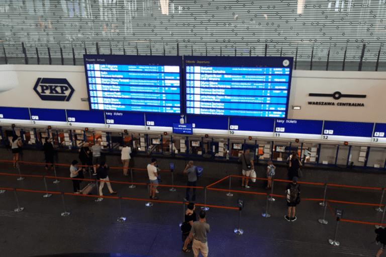 Warszawa Centralna has free Wi-Fi