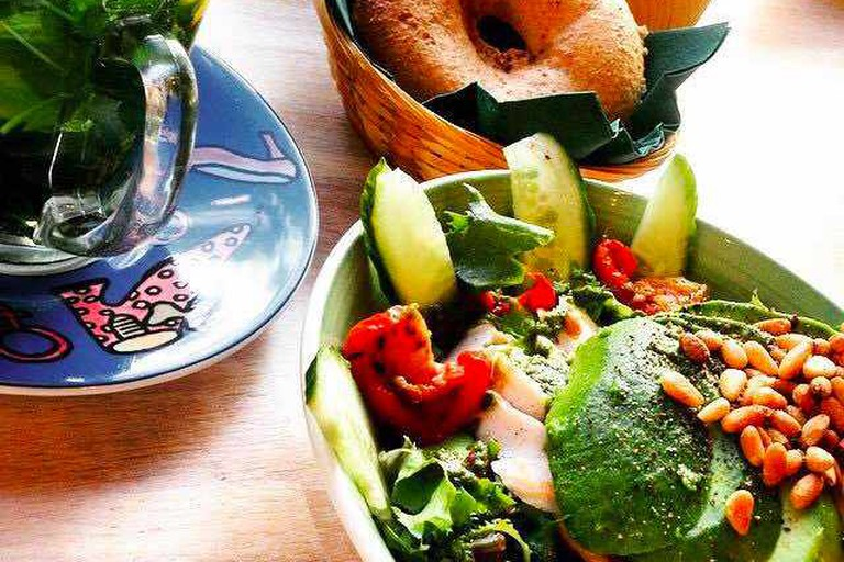 Bagel Breakfast: lots of avocado, healthy greens and warm tea