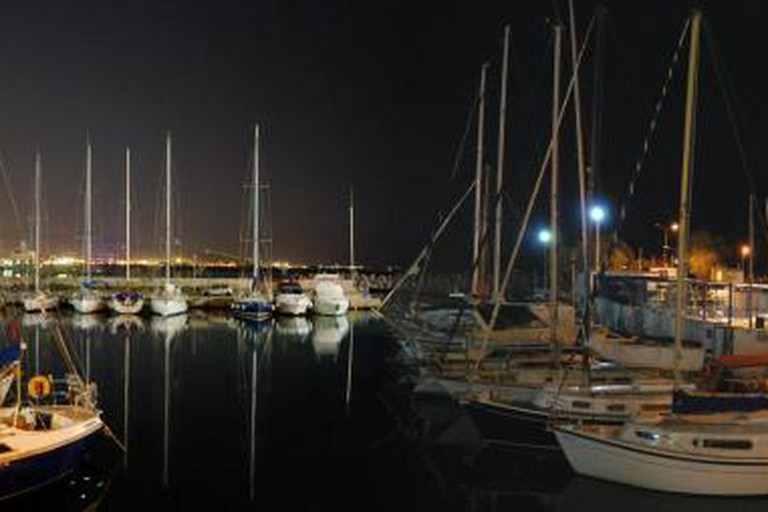 Mikrolimano by night