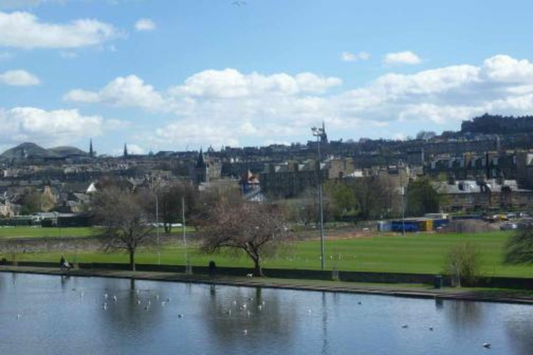 View of Edinburgh from Inverleith Park