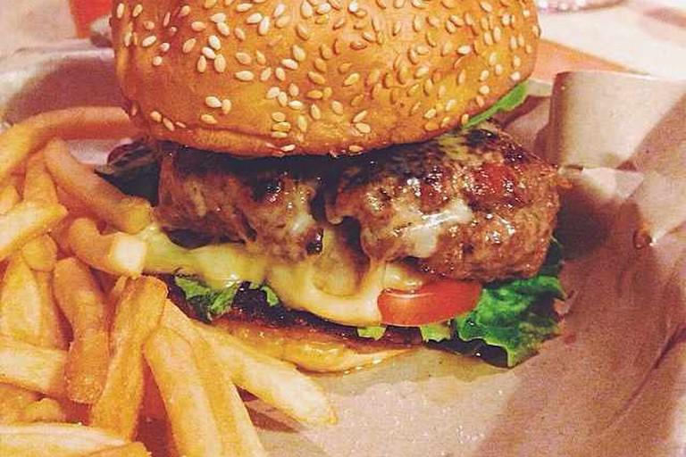 Suprette burger