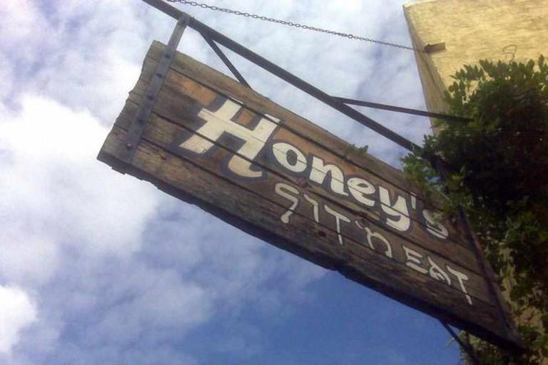 Honey's Sit'n Eat