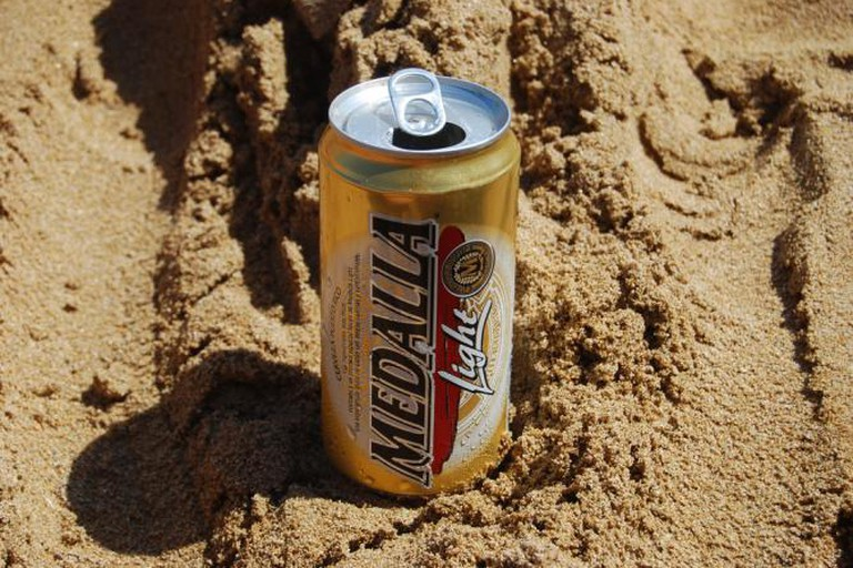 Medalla on the beach