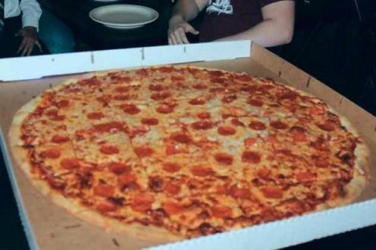 NY Giant Pizza