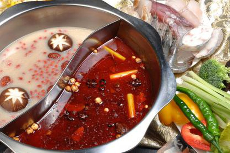 Two sided hot pot