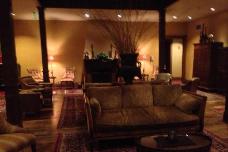 Montvale Hotel lobby