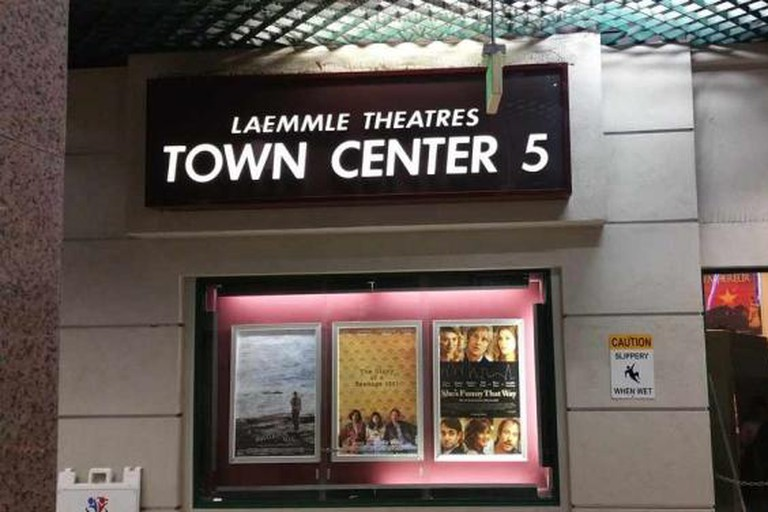 Laemmle's Town Center 5