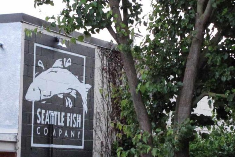 Seattle Fish Company sign