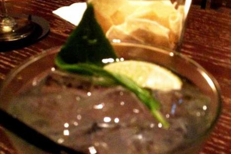 Ori-Gin G+T plus bar snacks
