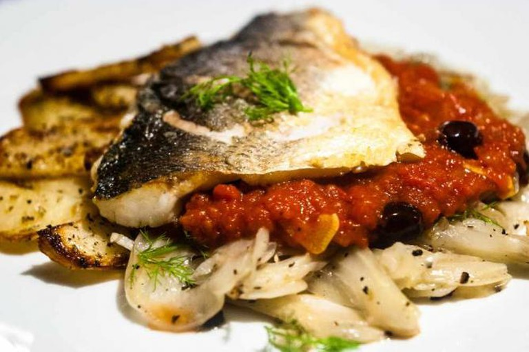 Sea bass, fennel and tomato