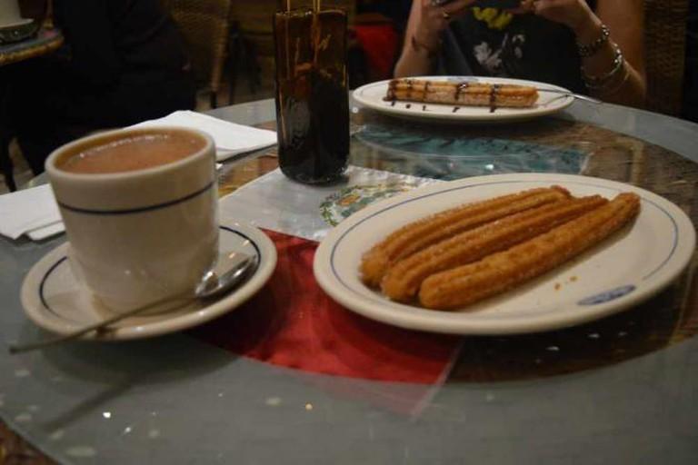 Churros y Chocolate Azteca