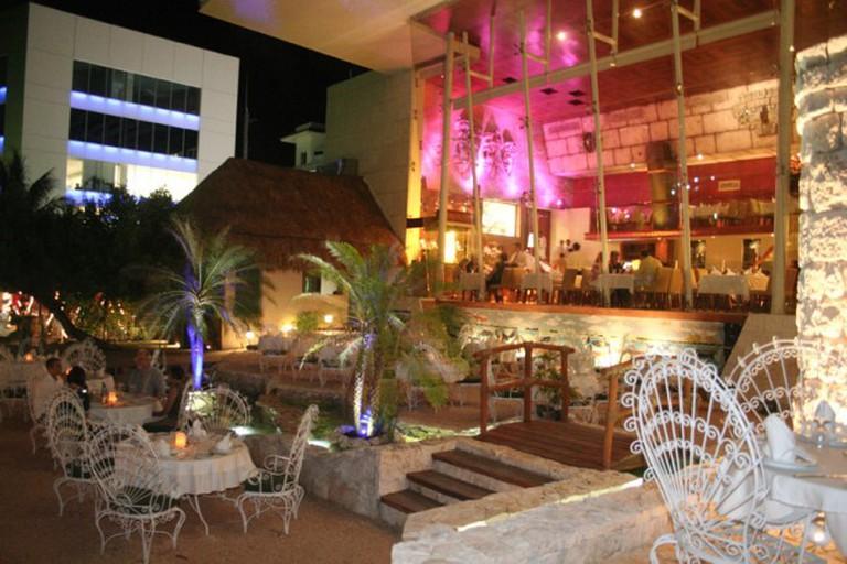 La Habichuela Sunset, Boulevard Kukulcan