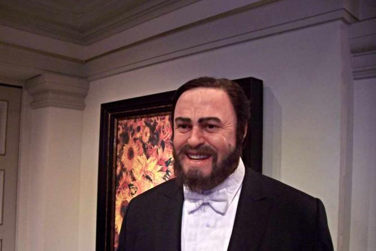 Statue of Pavarotti