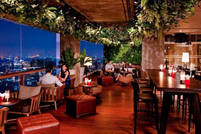 Scarlett Bar
