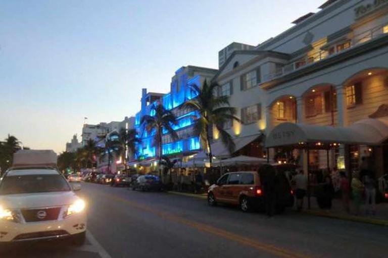 Miami Beach: Ocean Drive at Dusk