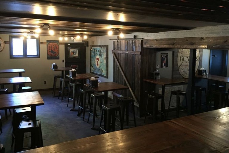 Dempsey's Burger Pub at Clifton Square