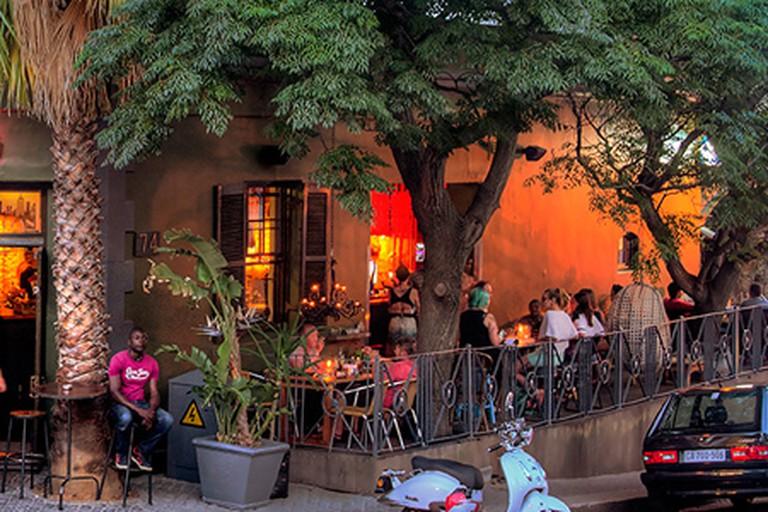 Cafe Manhattan