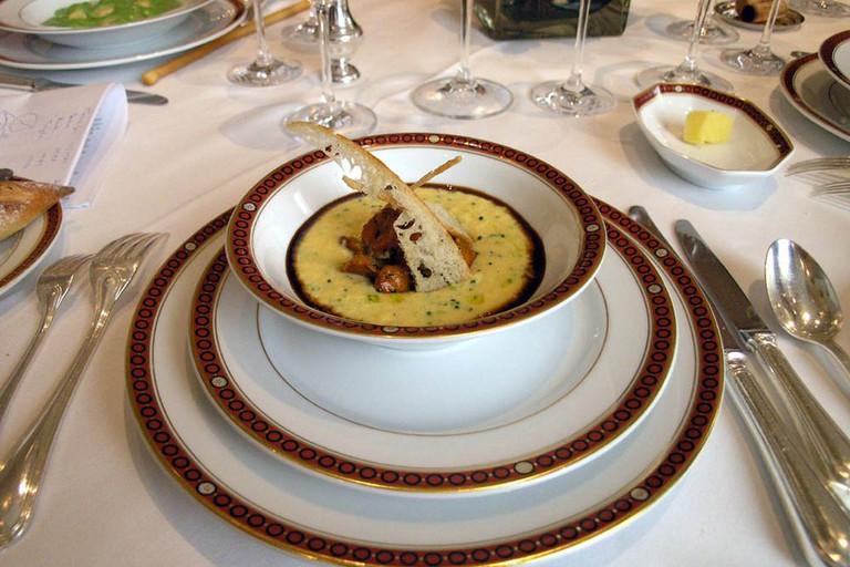 """French cuisine """"Trois étoiles"""""""