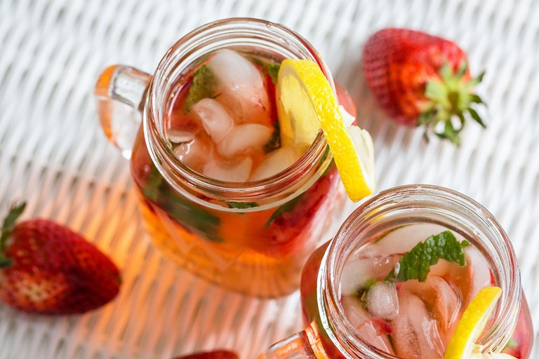 Strawberry-Lemon Cocktail
