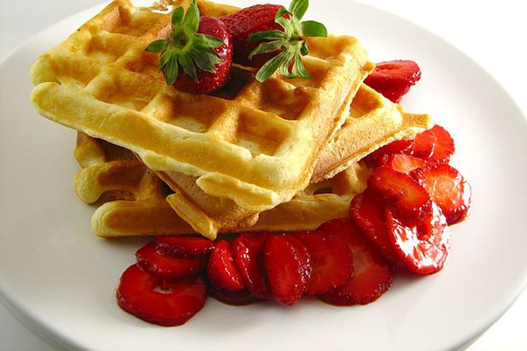 Crispy Waffles with Strawberries