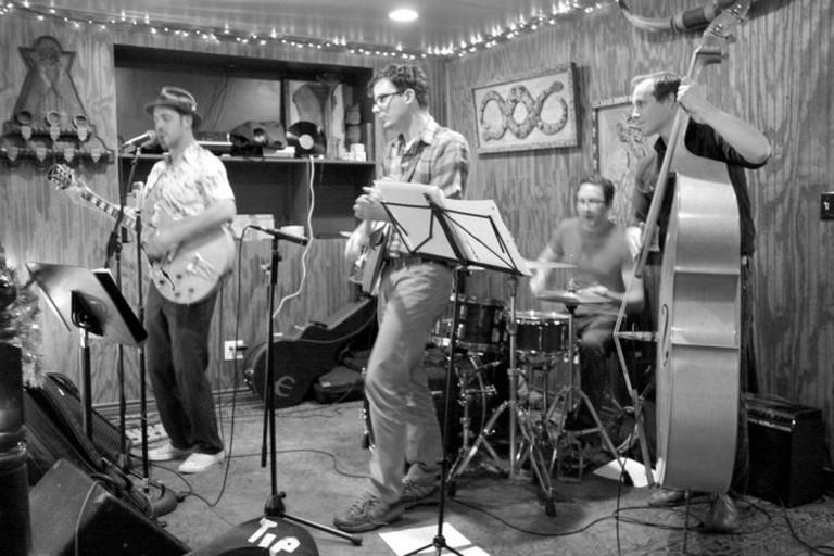 Live music at Honky Tonk BBQ