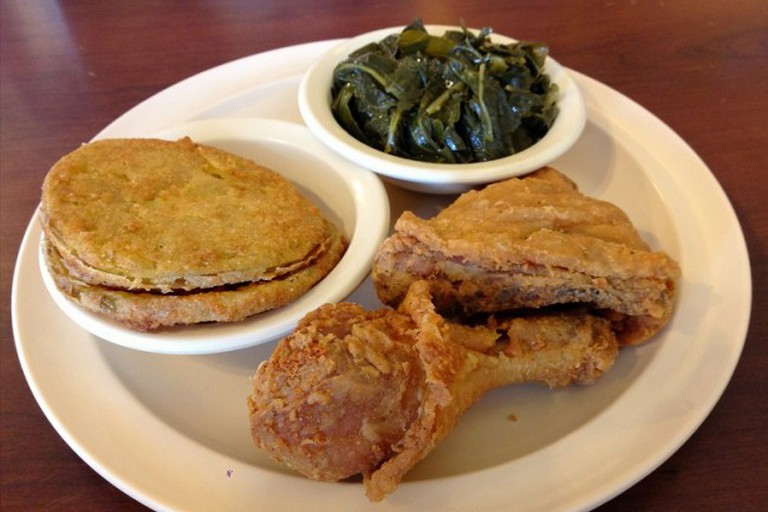 Chicken, fried green tomatoes and vegetables