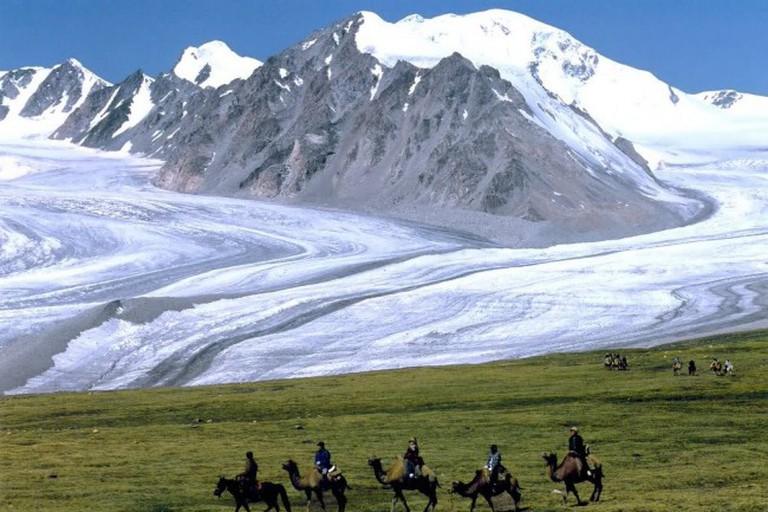 Tavn Bogd Mountain