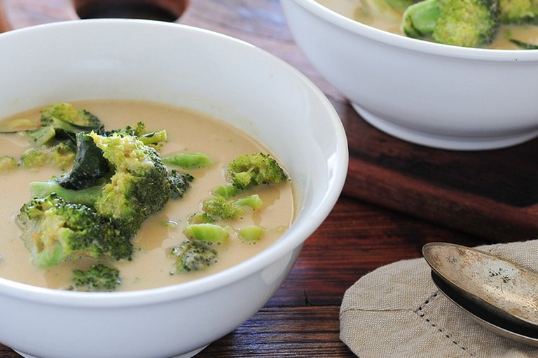 green curry of broccoli soup