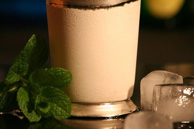 Charakteristische Zutat im Mint Julep ist frische Minze.