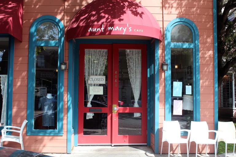 Aunt Mary's Café