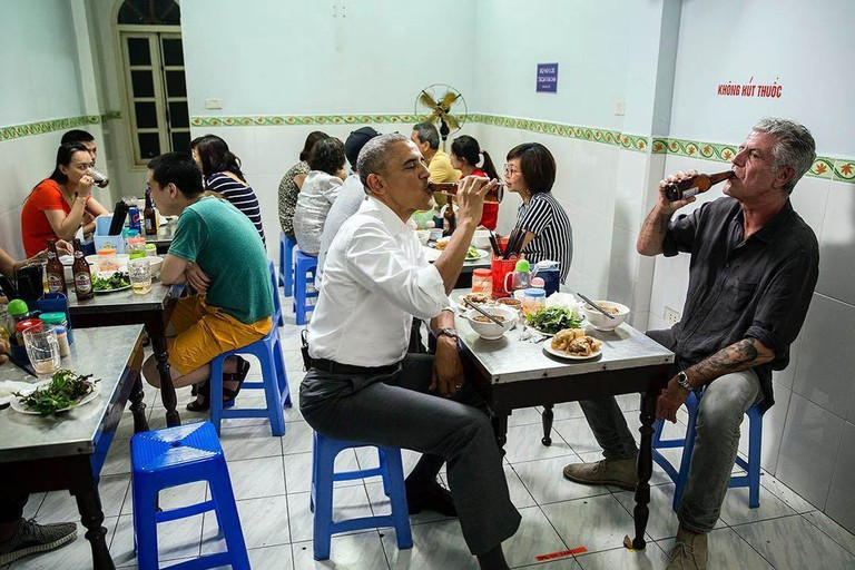 Obama eating bun cha | © manhhai/Flickr