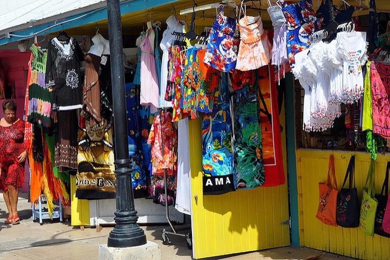 Bahamas 12 Market