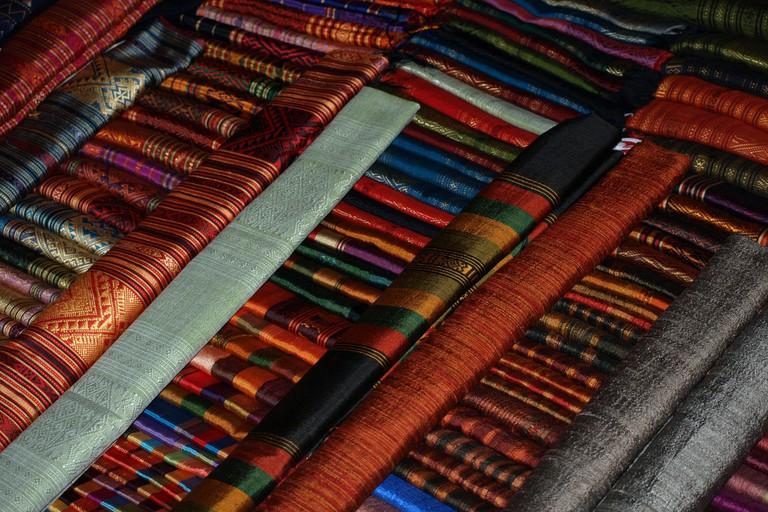 Market silk vendor