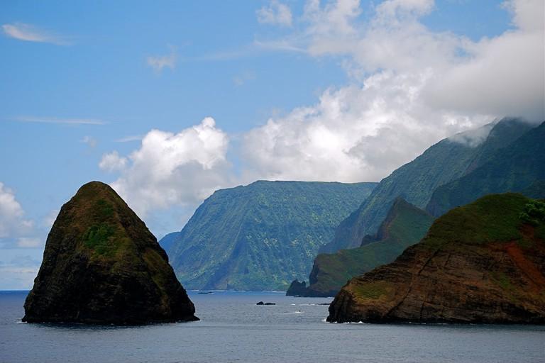 Sea cliffs of Kalawao County, Molokai | © Karendesuyo/Flickr