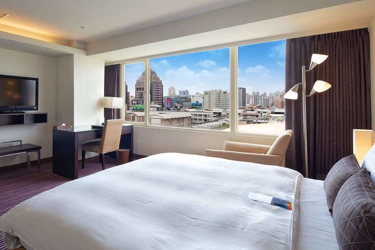 The bright rooms at 52 Hotel