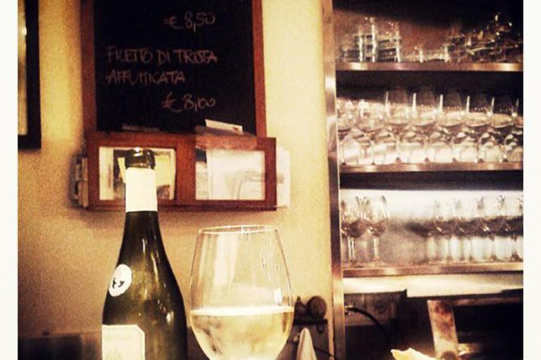 A traditional Italian aperitivo at Le volpi e l'uva