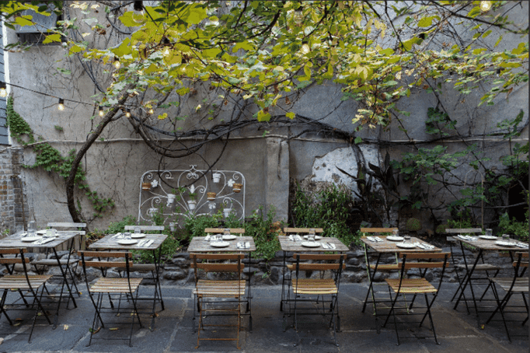 Outdoor Garden at Vinegar Hill House