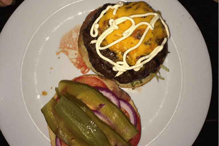 A cheeseburger at the Zuni
