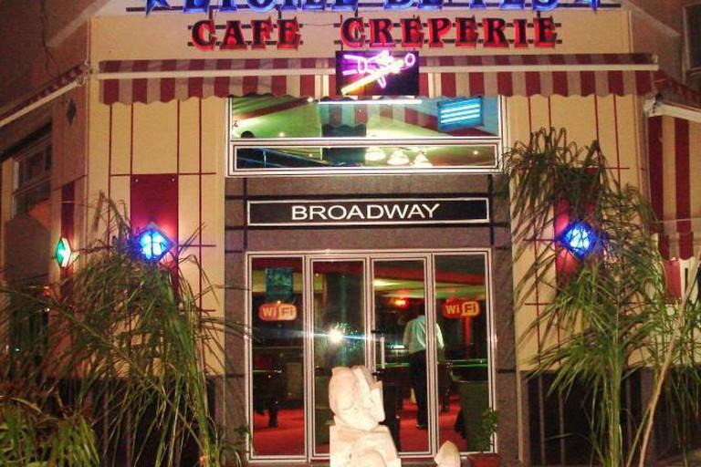 Broadway Café
