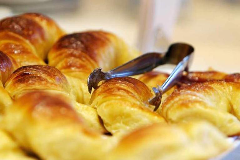 Medialunas (croissants)