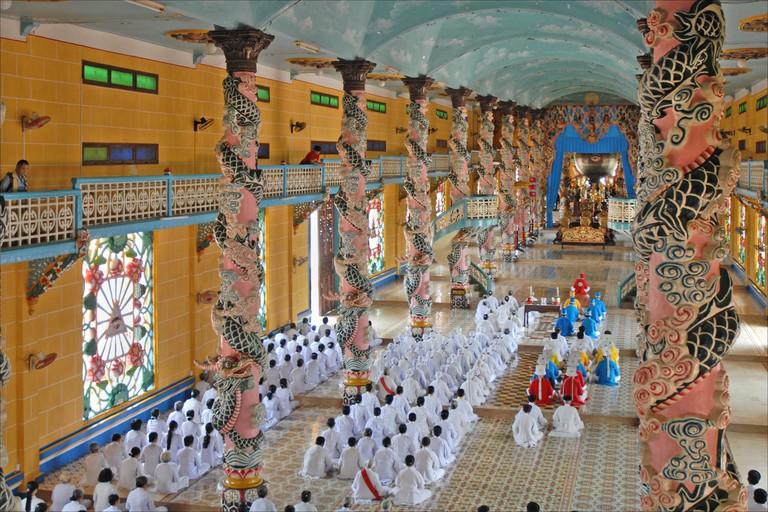 Cao_Dai_Temple_Tay_Ninh_Vietnam