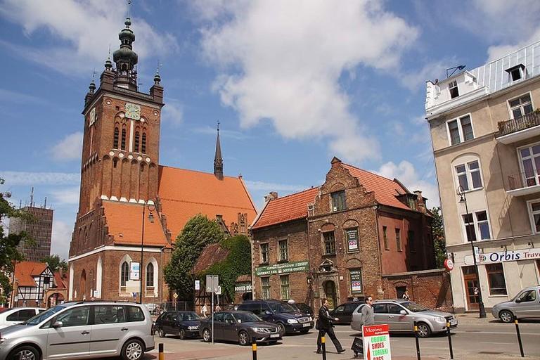 800px-2029vik_Gdańsk,_układ_urbanistyczny_,_w_tle_kościół_Św._Katarzyny._Foto_Barbara_Maliszewska