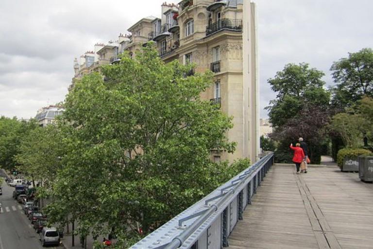 800px-Promenade_plantée_2_Paris_2011-650x366