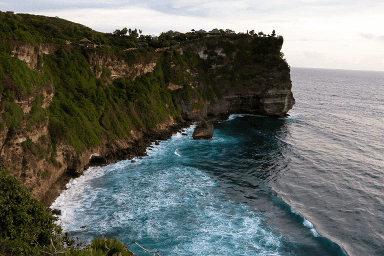 breathtaking view and cliffs in Uluwatu