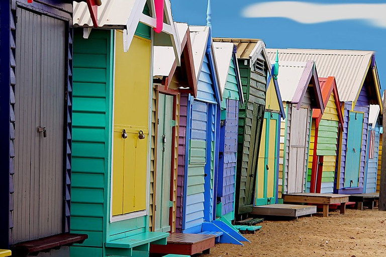 Bathing boxes in Brighton © Bernard Spragg / Flickr