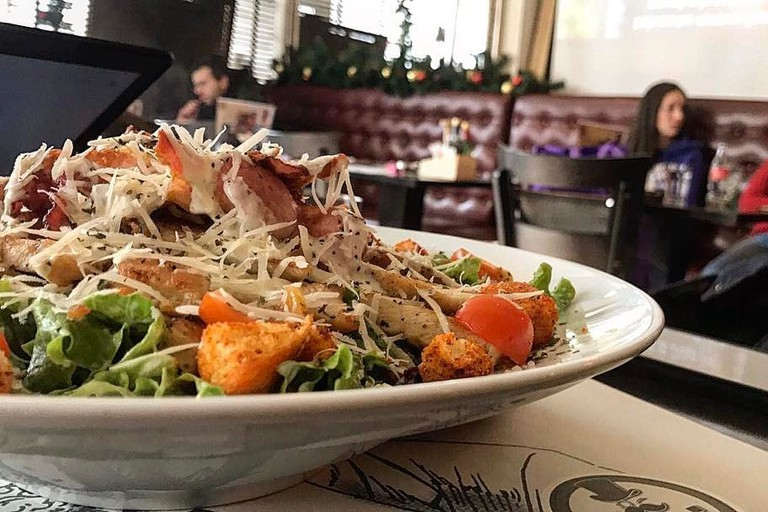 Salads and a whole lot more at Cosi Bar & Kitchen