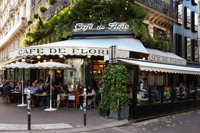 In its history, the Café de Flore has attracted writers, philosophers and appreciators of the two