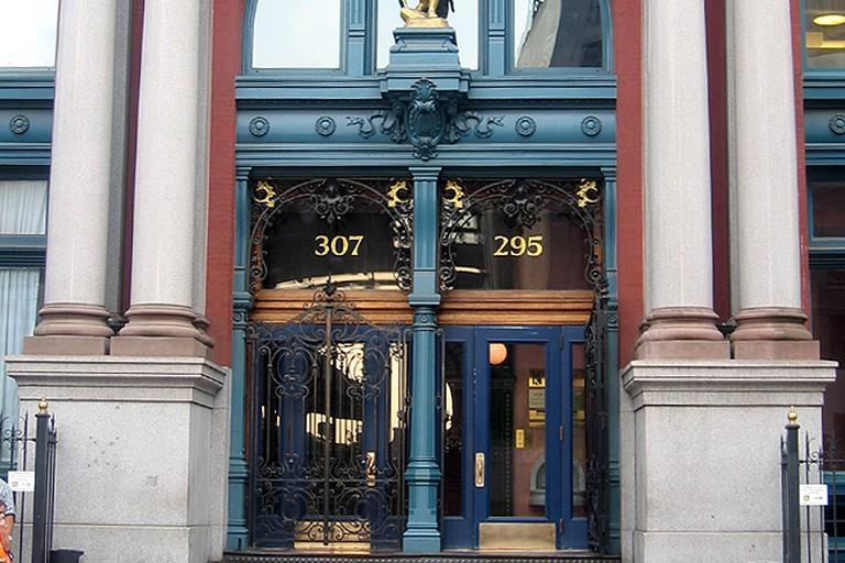 L'entrada del Puck Building