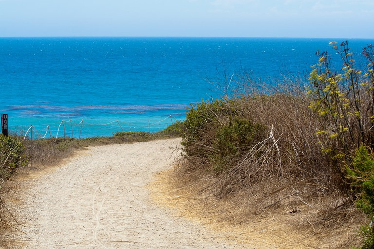 leo-camarillo-beach-California-Malibu
